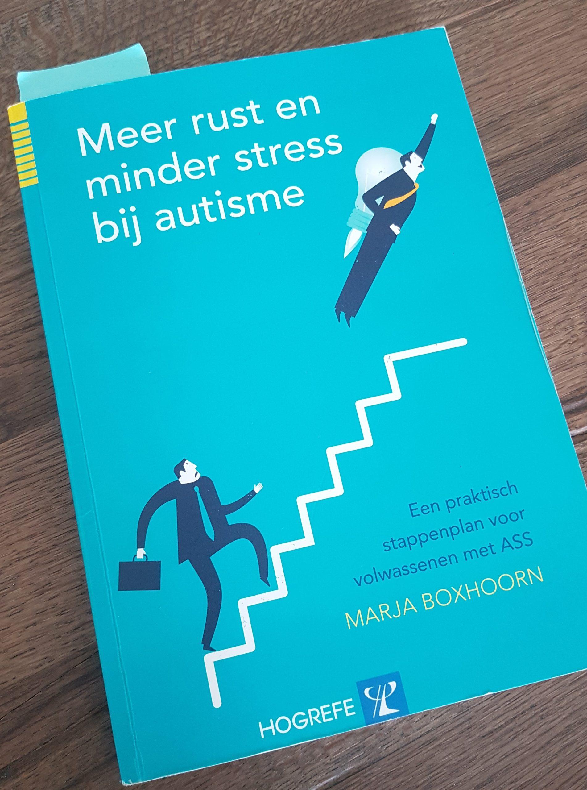 boek 'Meer rust en minder stress bij autisme' van Marja Boxhoorn